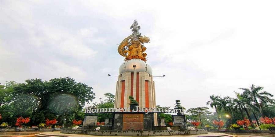 Tempat Wisata di Sidoarjo Monumen Jayandaru